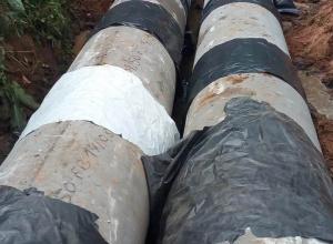 Prefeitura instala tubos de concreto na Rua Sete de Setembro