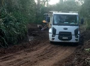Prefeitura realiza manutenção de estradas rurais